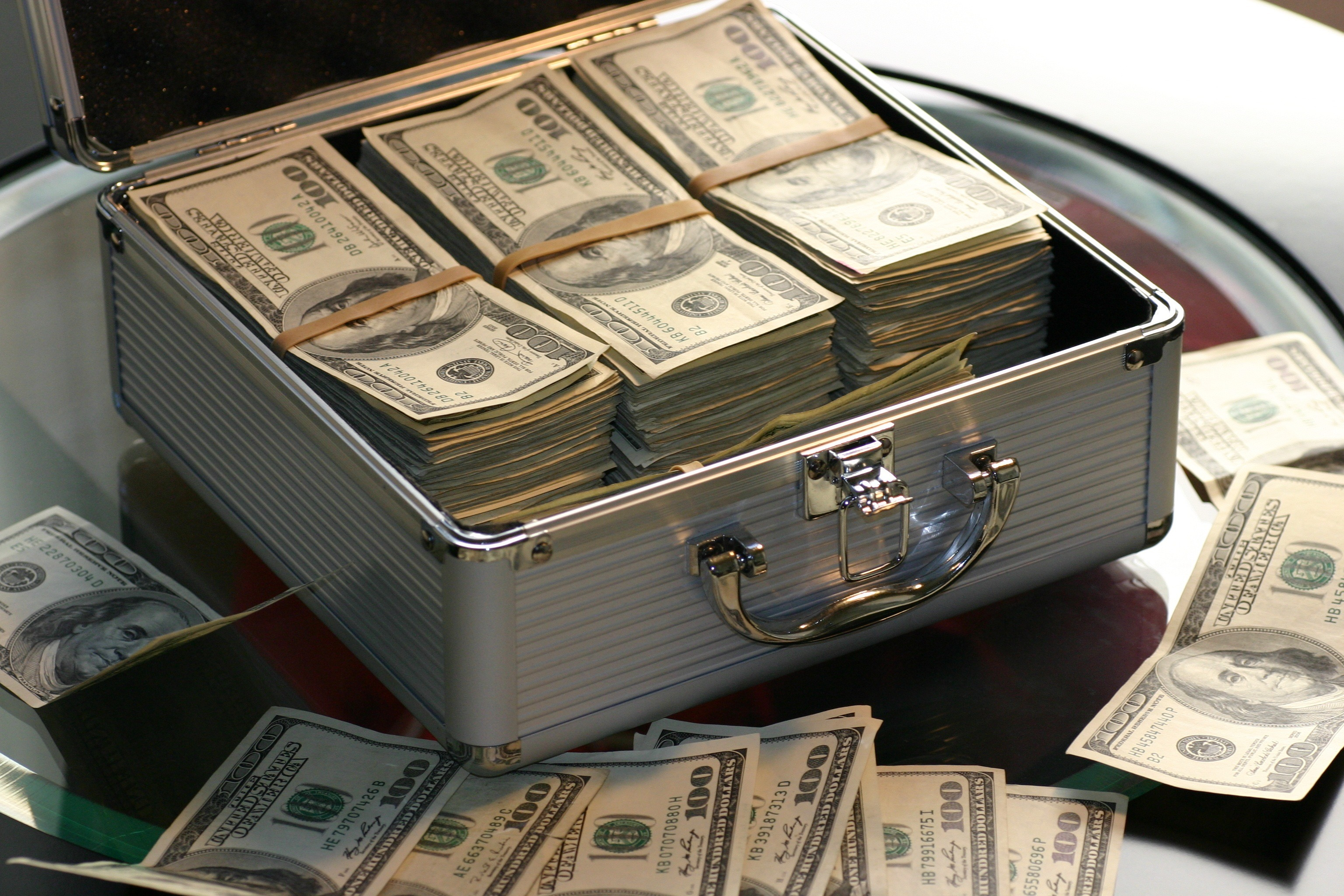 Hard money loan, a private money loan or cash. Which is the best?