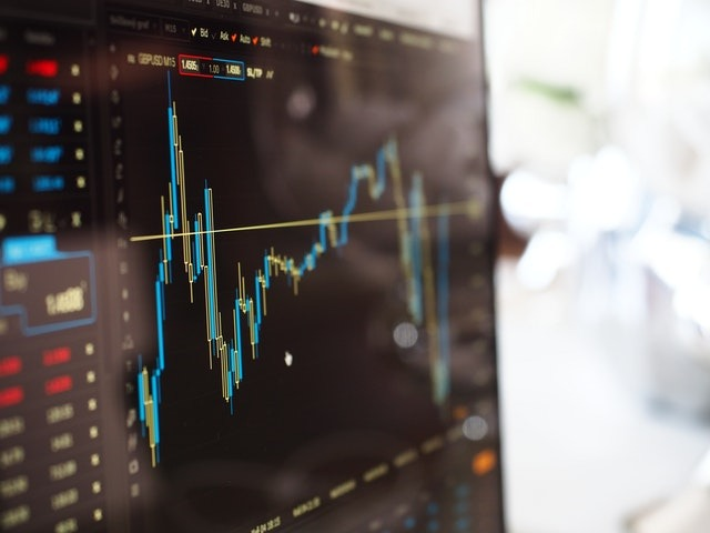 The Advantages of Trading Options Over Stocks